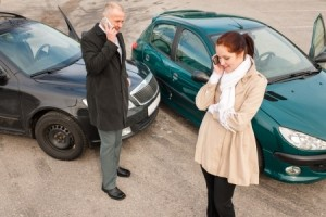 15424573 - woman and man on phone car crash accident calling problem